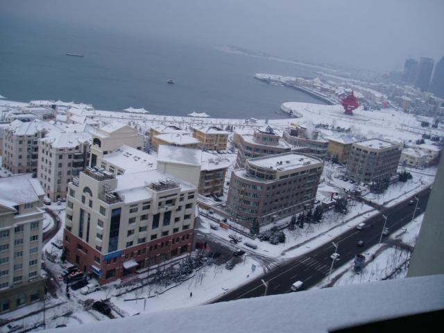 青岛五.四广场的雪景
