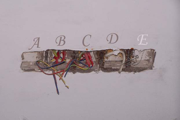 > 关于网线插口的问题要关注装修情况
