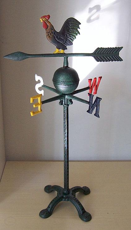 各种动物衣帽钩,花篮吊钩,墙饰品小煎锅,风向标,立式鸟食盆,花插,各种