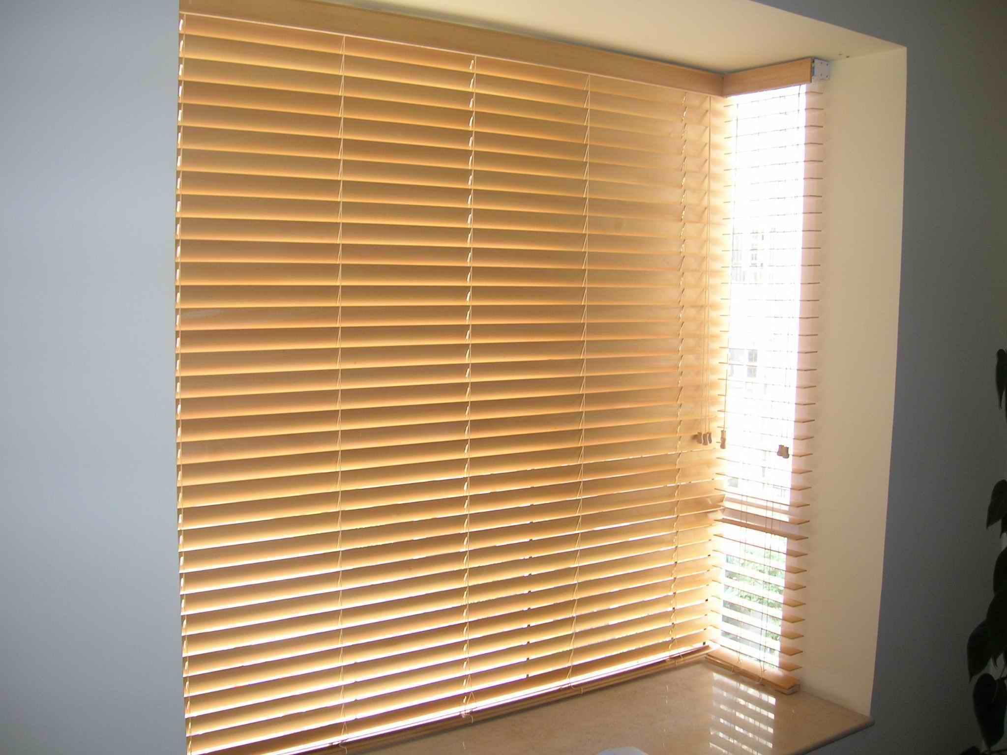 邻居们有喜欢木百叶窗帘的么?