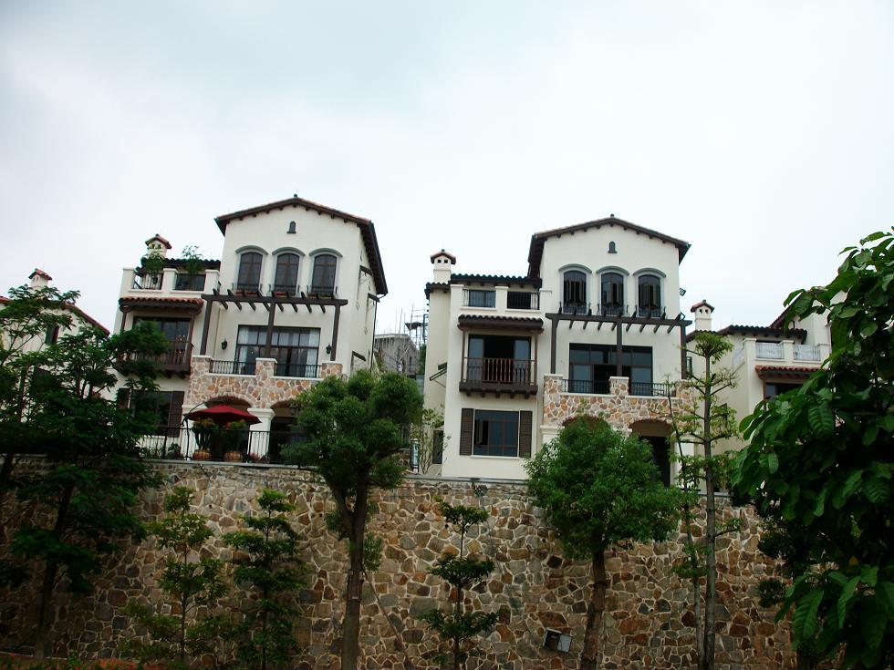 首创山地城堡独栋别墅
