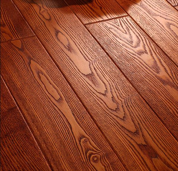 > 家里快装修了,想装木地板.
