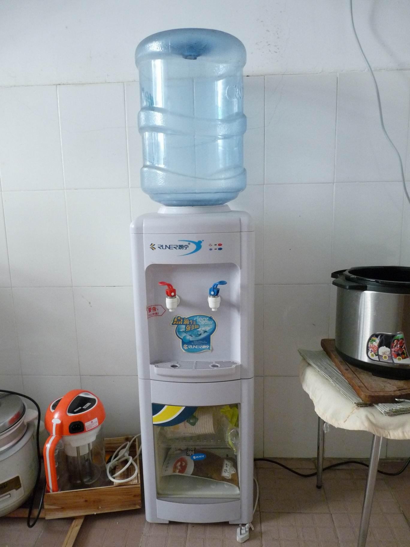 [转让]饮水机+饮水桶