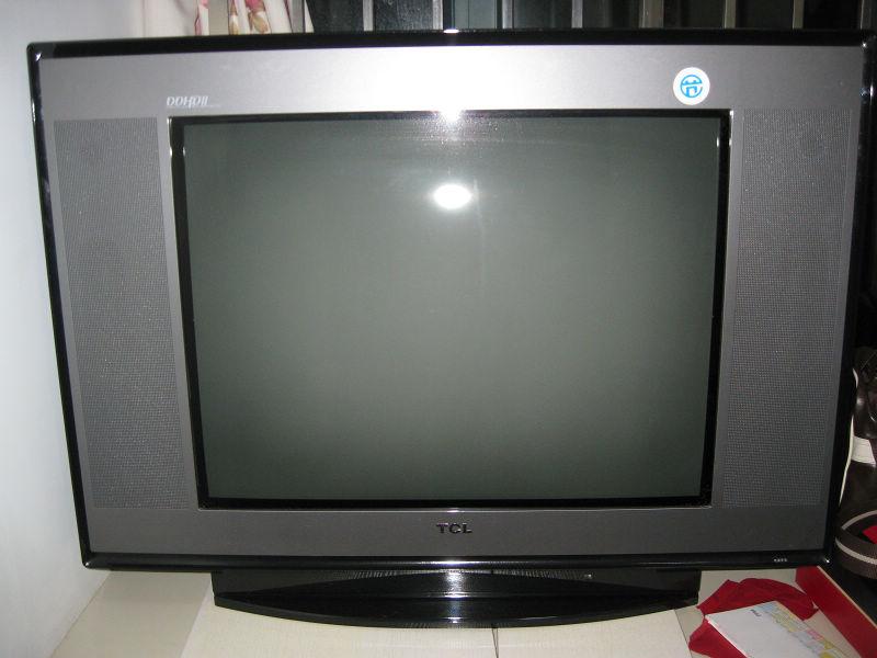 tcl25寸純平直角電視機,帶底座