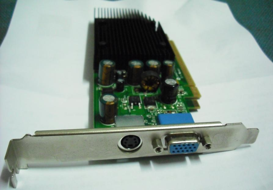 联想电源适配器内部电路板