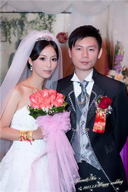 最新新娘结婚当天头型 结婚当天新娘鲜花头型 结婚当天新娘头型图片
