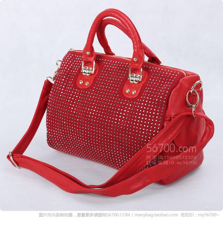 快乐女孩品牌包包特价包邮中 要的快!