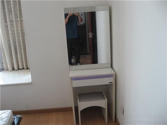 [转让]梳妆台,床,电脑桌