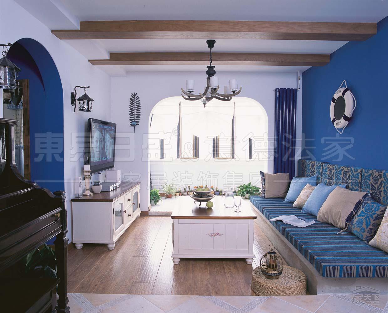 东易 复式地中海客厅装修效果图图片