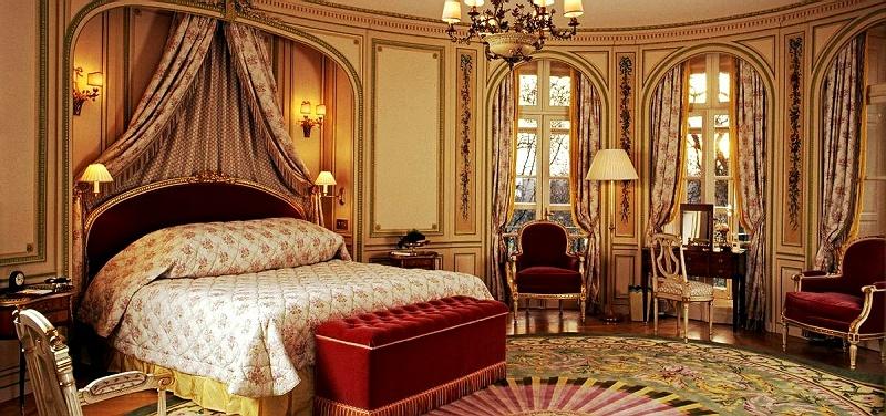 欧式装修,很喜欢用这种床头背景