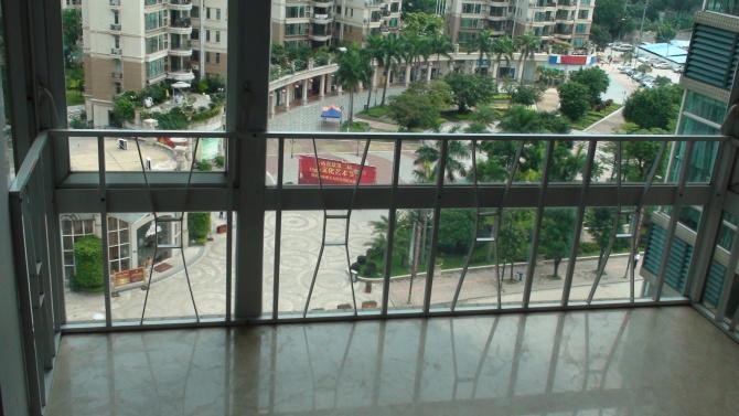 港式铝窗花(用作窗台护栏实图片