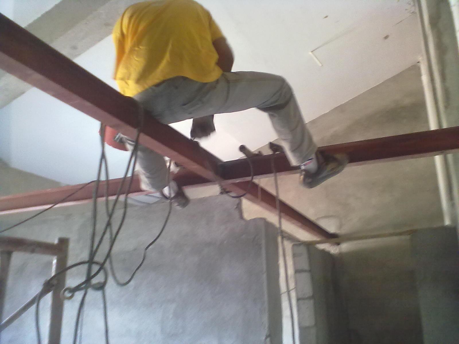 复式钢结构钢木结构阁楼焊接施工过程