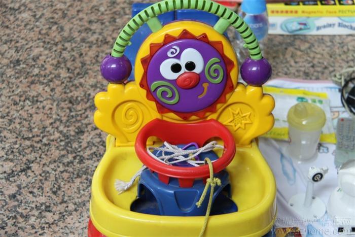 很可爱的玩具车,是不是很想要一部呢?