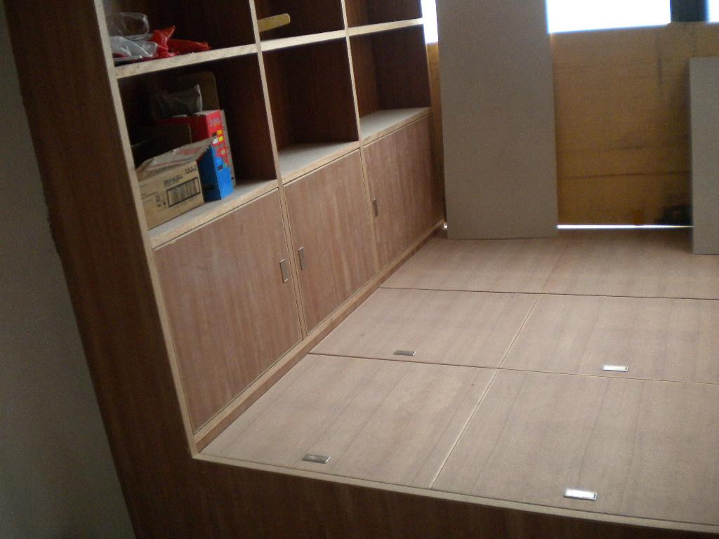 做榻榻米和衣柜