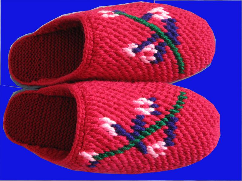 毛线拖鞋编织花样; 家婆在家勾的