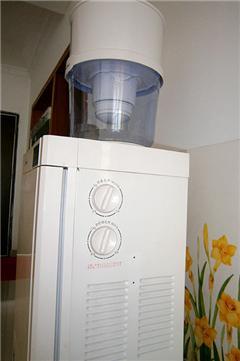 【美的饮水机+过滤桶】【五指沙发】【桌